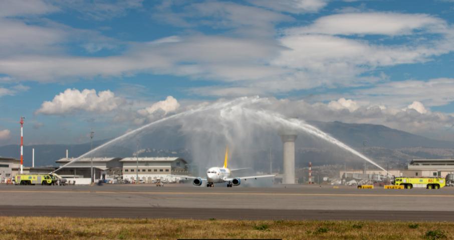 Aeroregional Ecuador inaugura nueva ruta Quito-Guayaquil-Galapagos